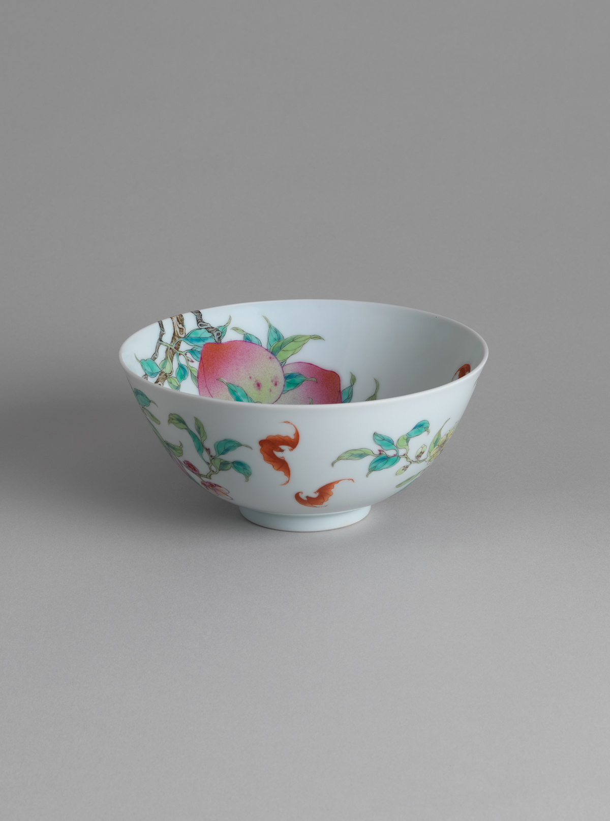 Famille rose porcelain 'peach' bowl